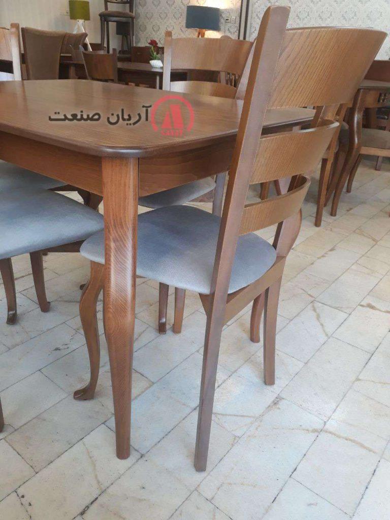 کیفیت مناسب نشیمن صندلی ناهارخوری