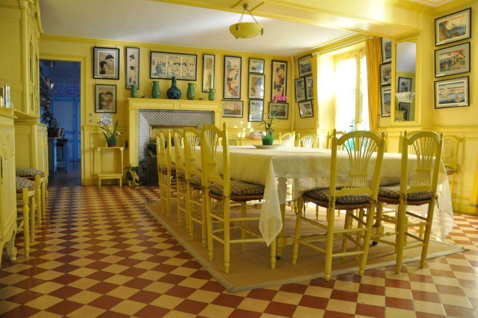 رنگ زرد لیمویی برای دکوراسیون اتاق ناهارخوری