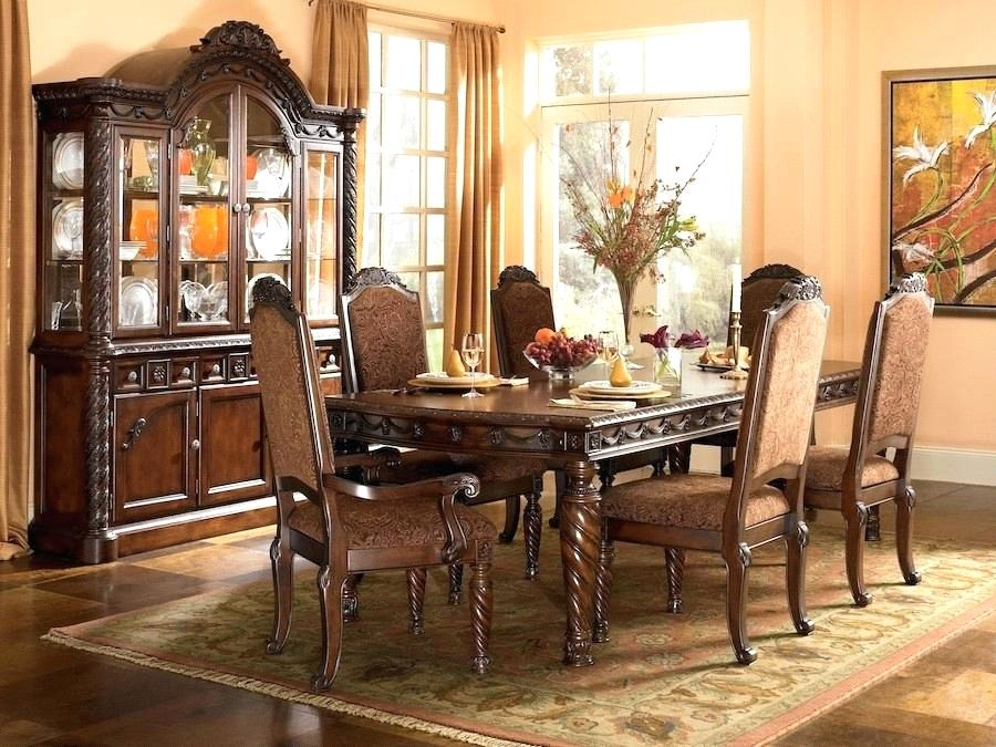 میز ناهارخوری سلطنتی مدرن